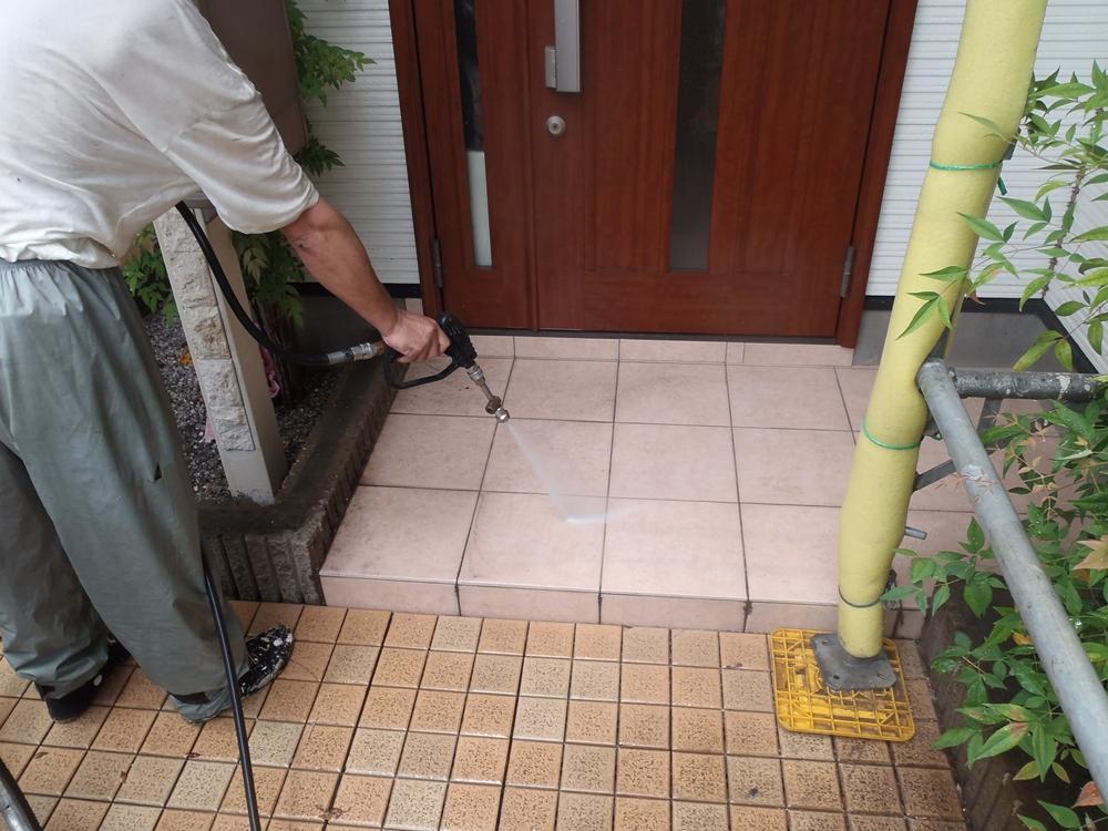 玄関ポーチ高圧水洗浄