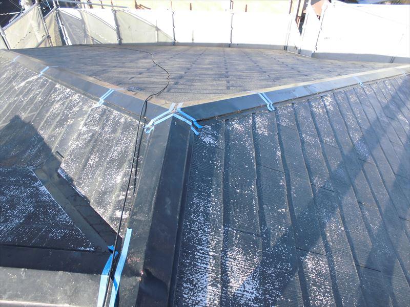 屋根トタン補修シーリング