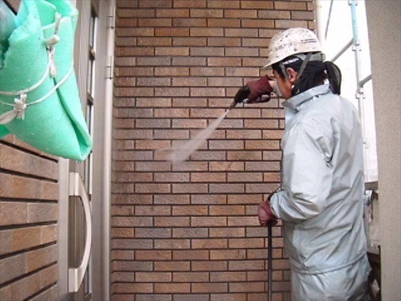 玄関前のタイル高圧洗浄
