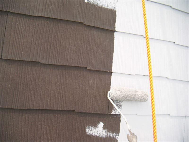 スレート屋根の下塗り