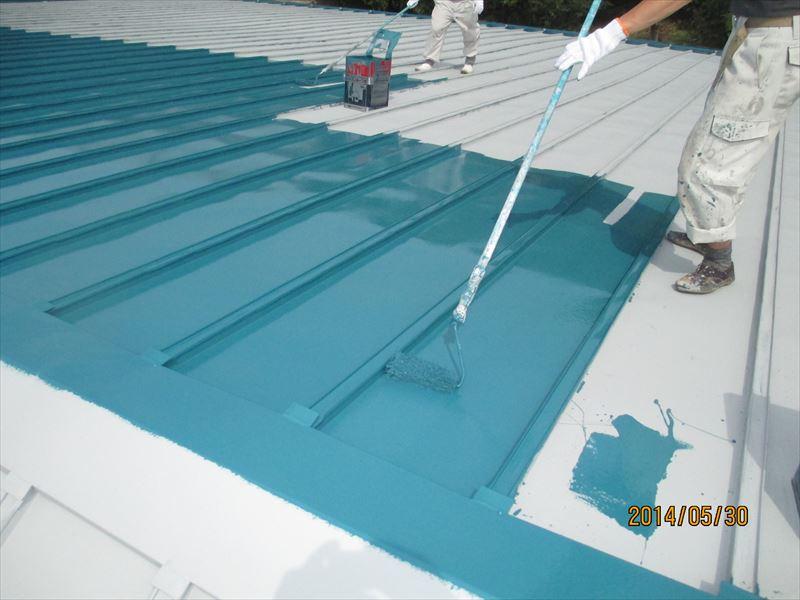 倉庫屋根仕上げ塗り