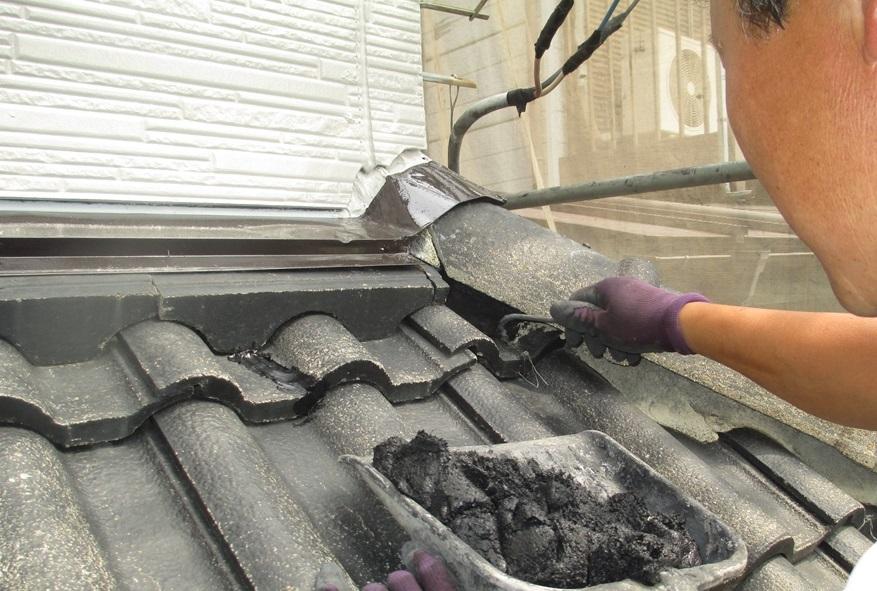 セメント瓦屋根の漆喰補修