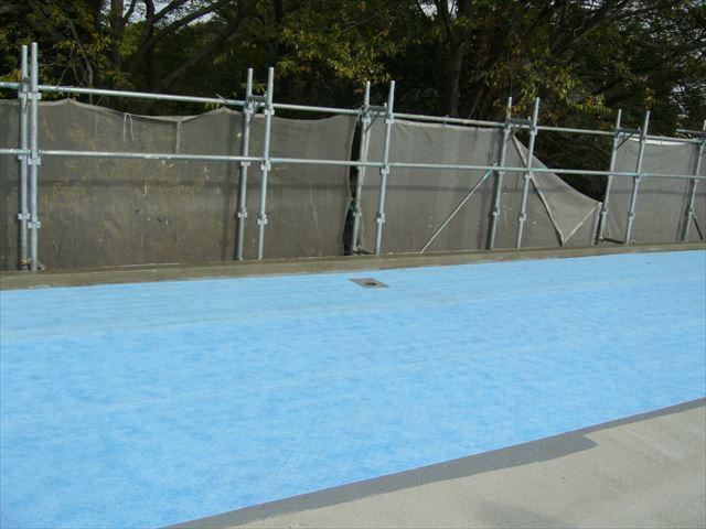 さいたま市北区屋根防水工事サラセーヌAV工法シート貼り
