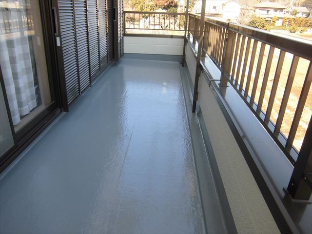ベランダ床防水塗完成