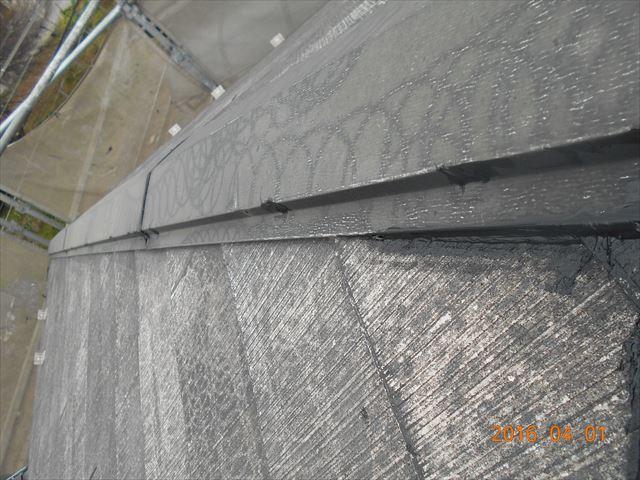 上尾市スレート屋根瓦塗装前に棟板金の釘補修