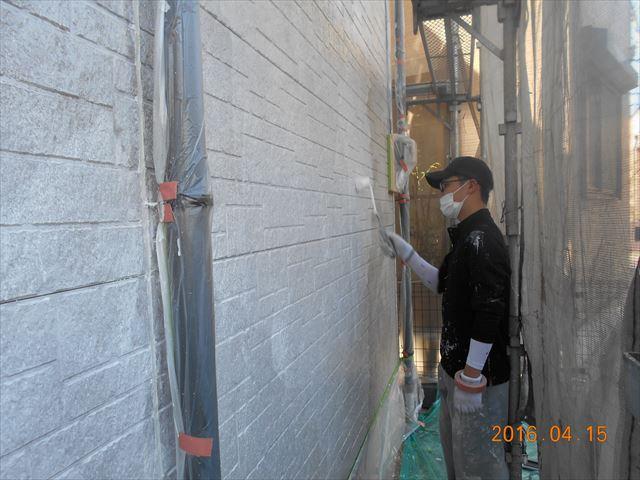 上尾市サイディング外壁下塗り