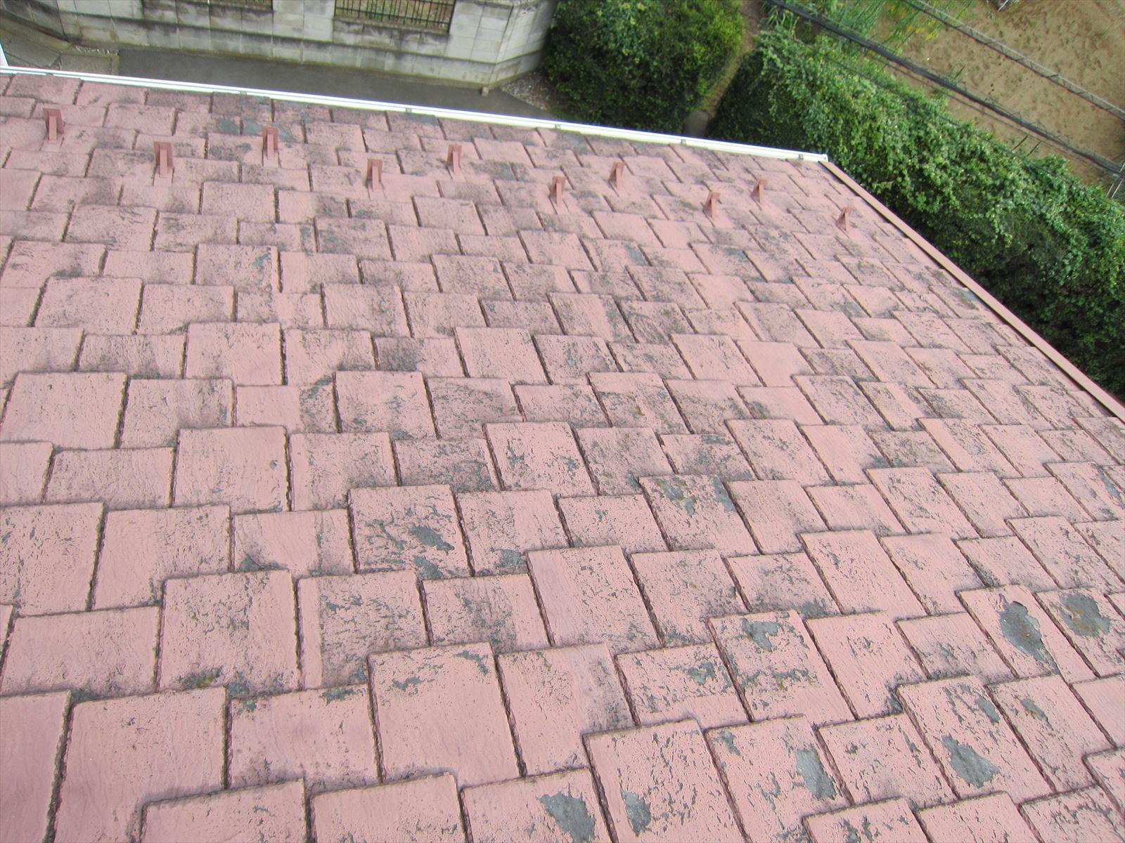 塗装前屋根の汚れ