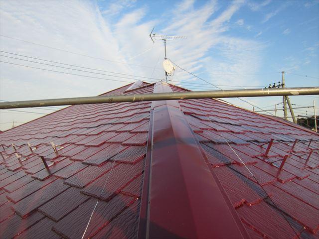 屋根中塗り作業4ニッペサーモアイSi