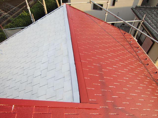 屋根中塗り作業ニッペサーモアイSi