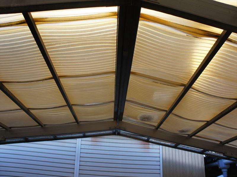 車庫の屋根ポリ板