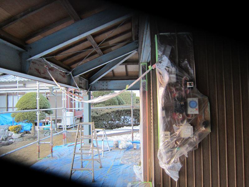トタン外壁塗装の養生3