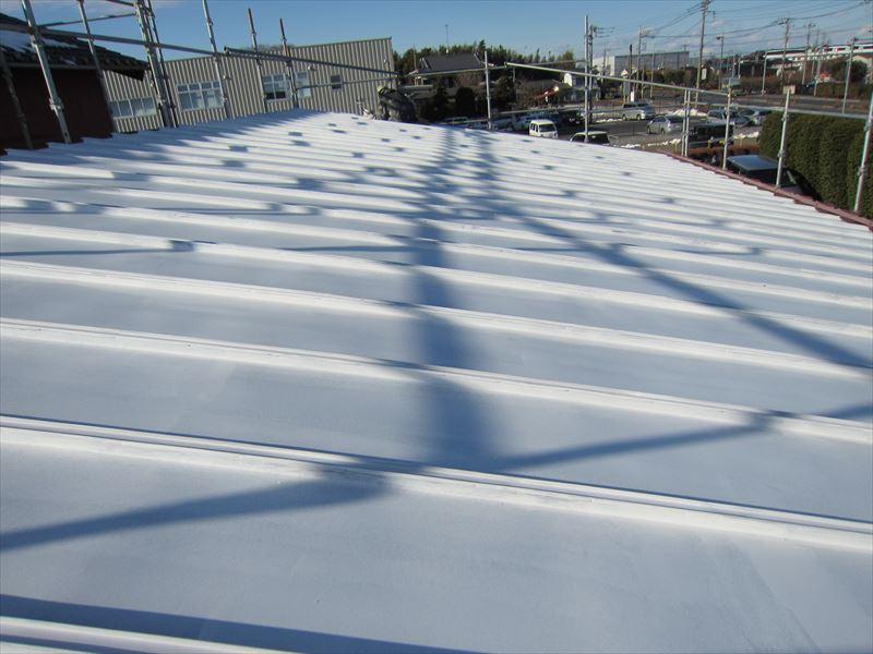 ハイポンファインプライマーⅡで屋根下塗り