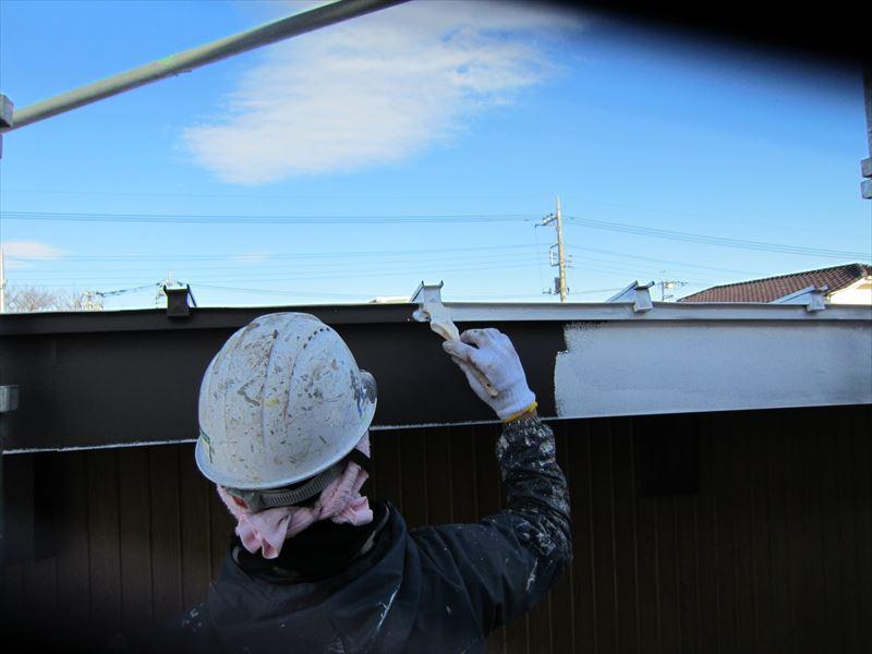 倉庫屋根下塗り