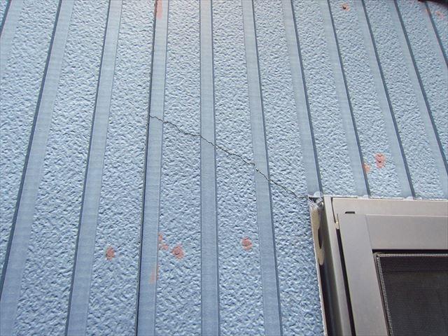 外壁サイディングのヒビ