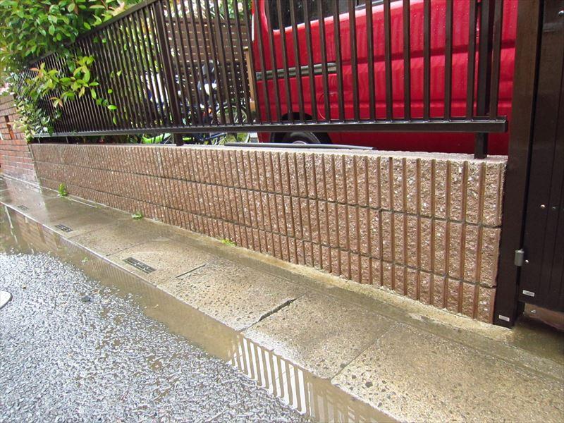 塀の高圧洗浄後