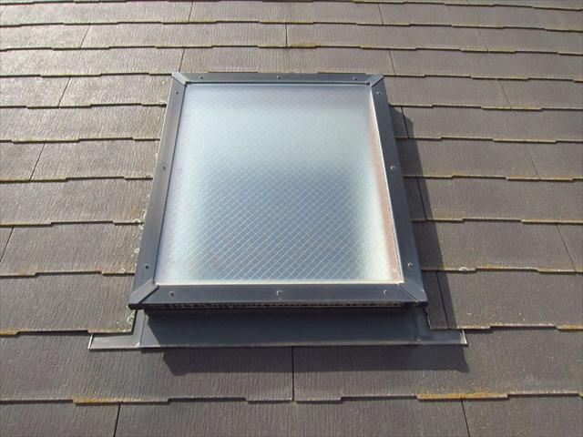 屋根天窓洗浄前