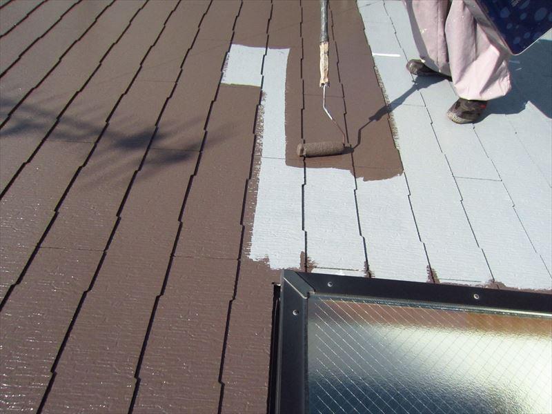 アステックの「スーパーシャネツサーモSi ラサットブラウン」で中塗り作業