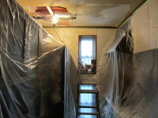 キッチン天井補修のための養生1