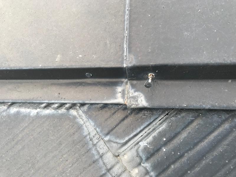 塗装前スレート瓦不良