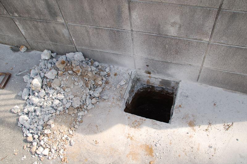 カーポート用の柱穴