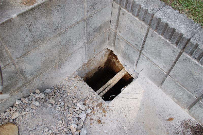 サイクルポートの柱穴