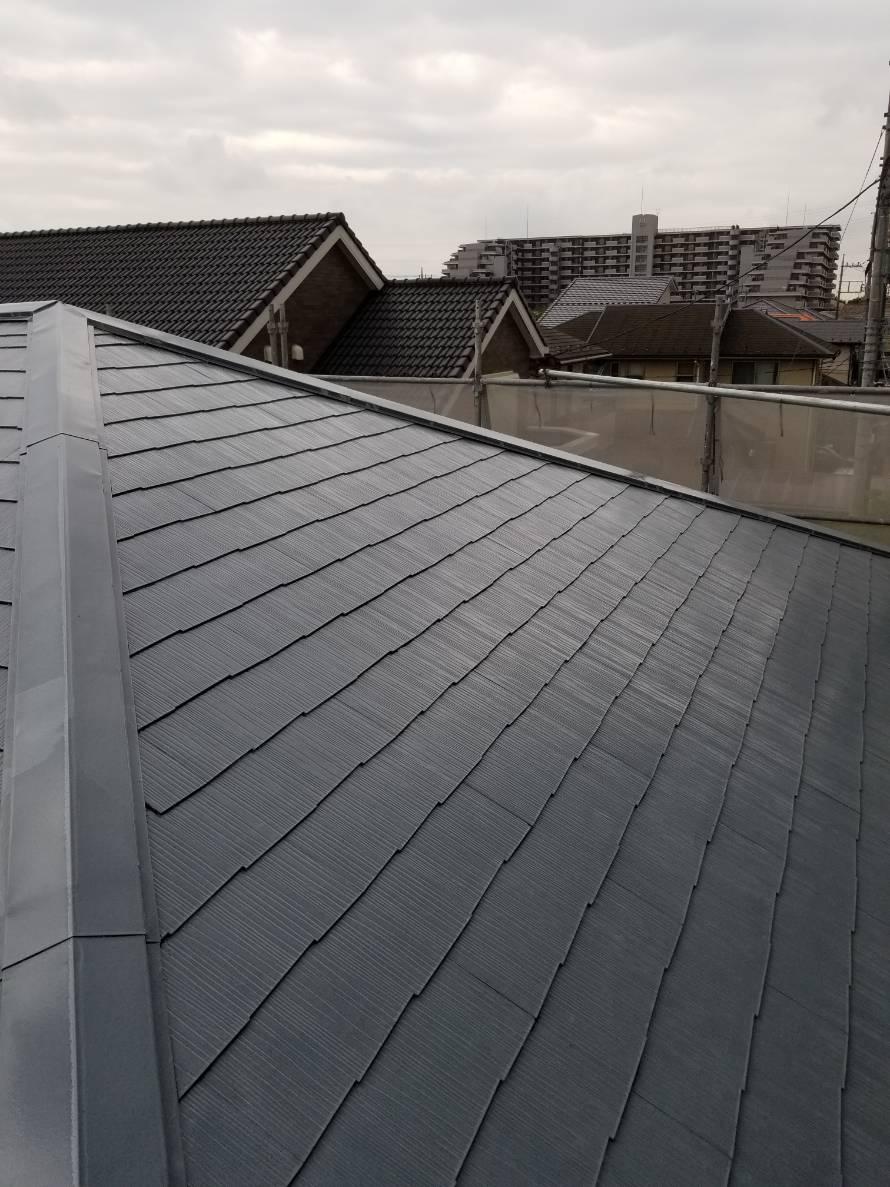 下塗り終了したスレート屋根