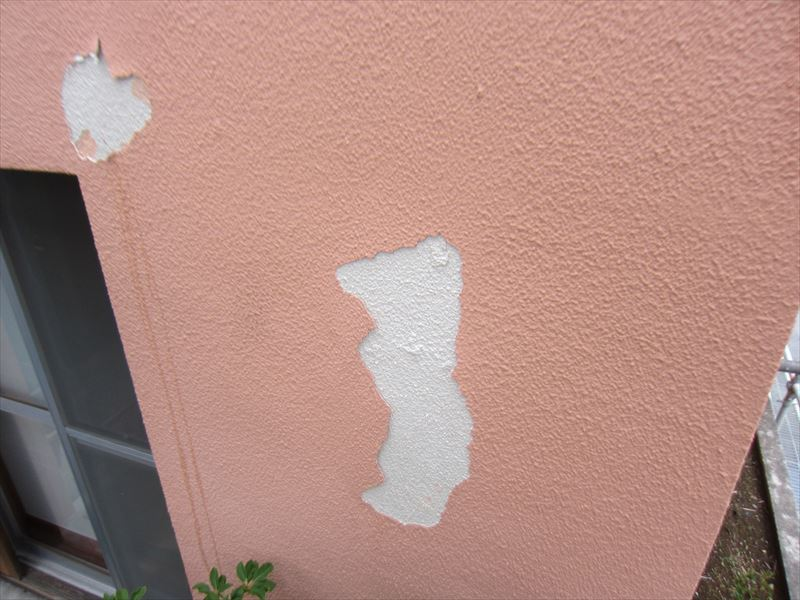 剥離した外壁
