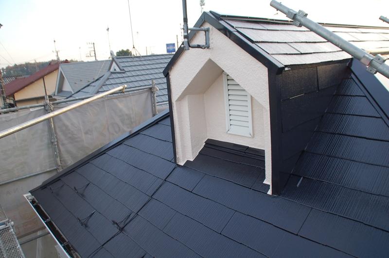 スレート屋根東面上塗り完了