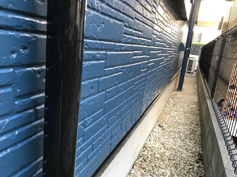 外壁下部の上塗り完了
