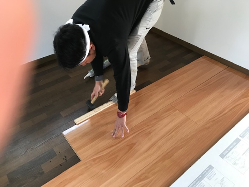 新規床材をカバー