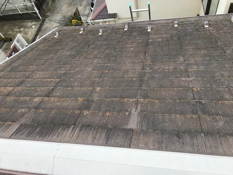 スレート屋根高圧洗浄前