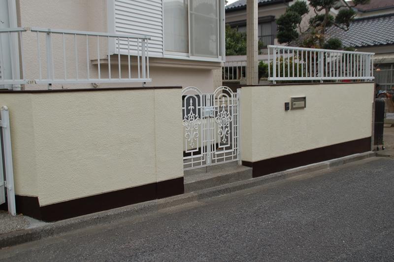 塗装後の門塀