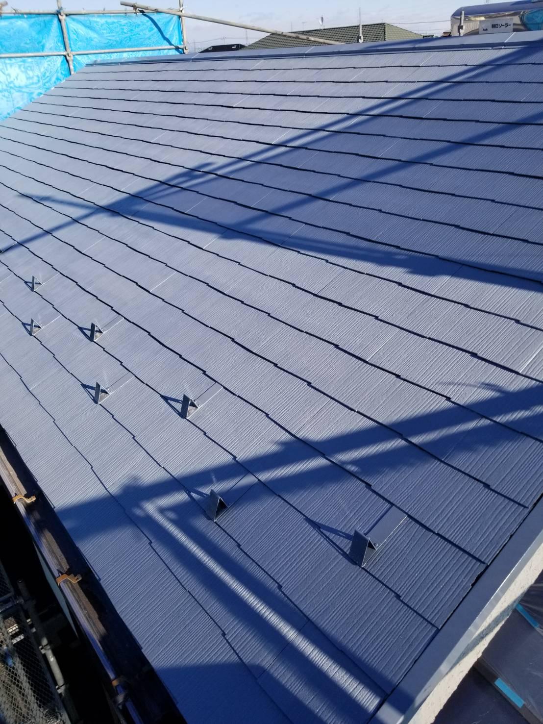 北本市スレート屋根下塗り完了