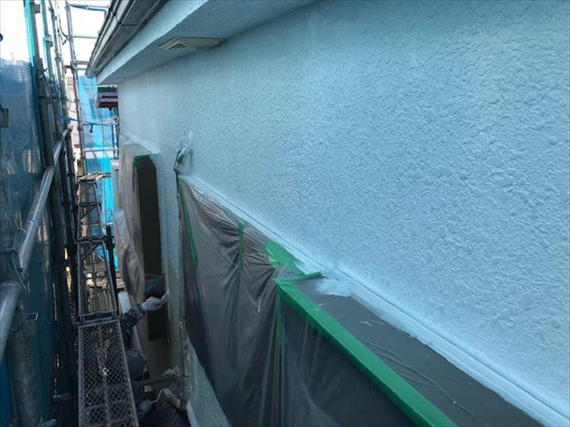北本市モルタル外壁「DANフィラーエポ」で下塗り完了