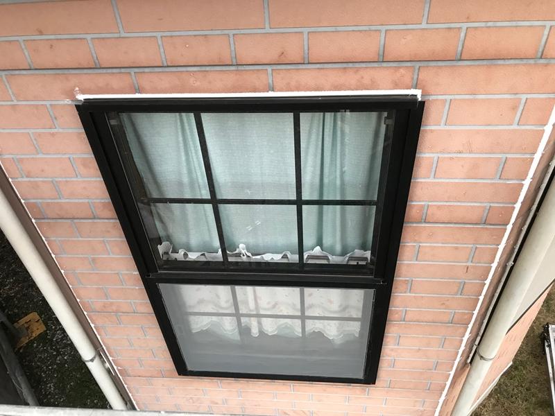 窓サッシ増し打ちコーキング