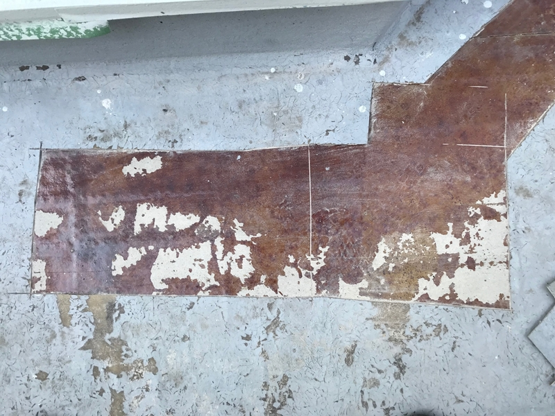 防水改修工事のベランダ下地調べ