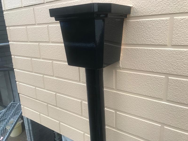 ニッペファインSi ブラックで雨樋塗装