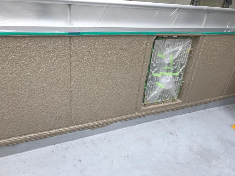 ベランダ外側壁中塗り出来上がり