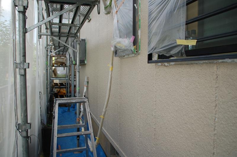 1階北側外壁中塗り完了