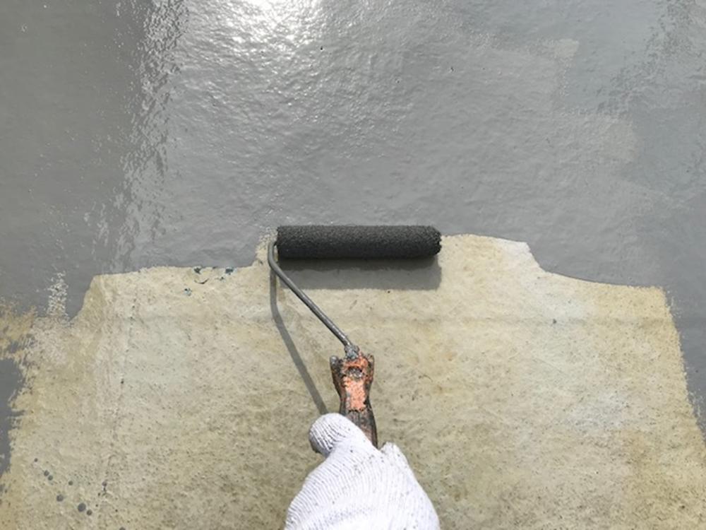 FRP防水トップコート塗布1回目