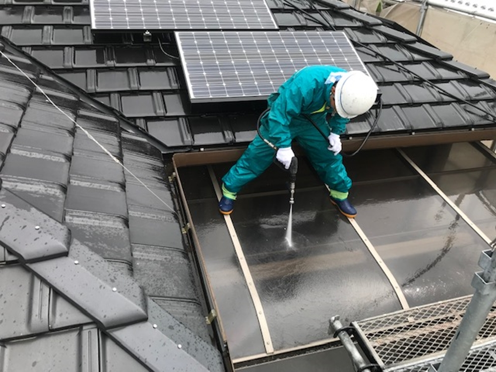 ベランダ屋根の高圧洗浄