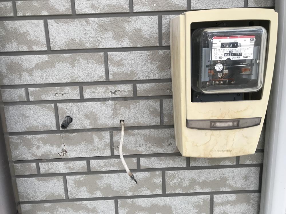 外壁の不用物撤去