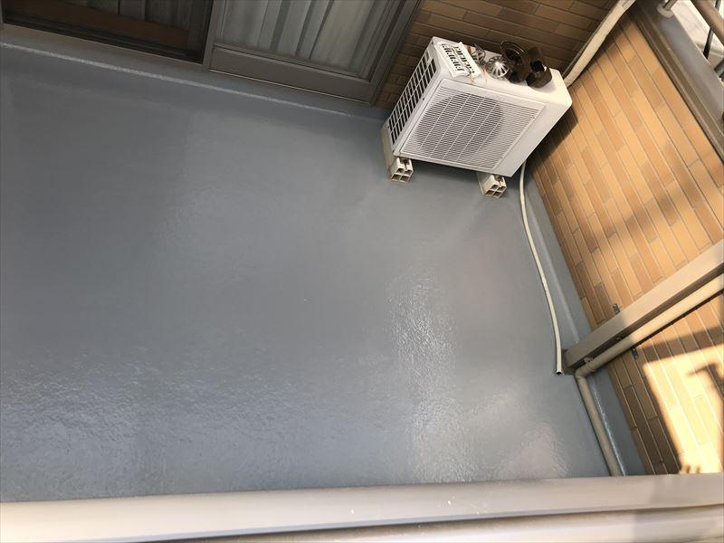 ベランダFRP防水トップコート上塗り上塗完了