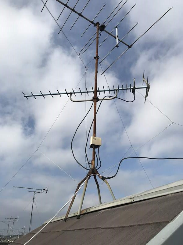 さいたま市岩槻区地上波アンテナの屋根馬支柱が劣化しサビ発生