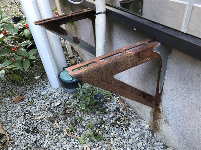 給湯器台の撤去