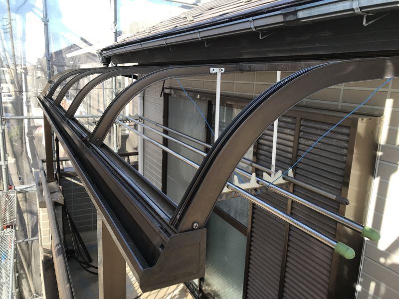 さいたま市岩槻区ベランダの屋根を塗装前に一時撤去