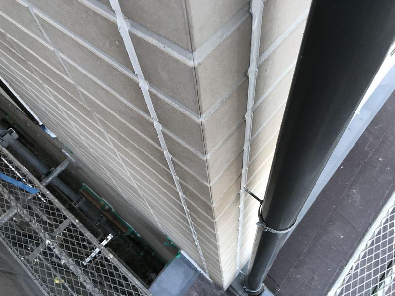 さいたま市岩槻区サイディング目地のシーリングをオートンイクシードで打ち替え