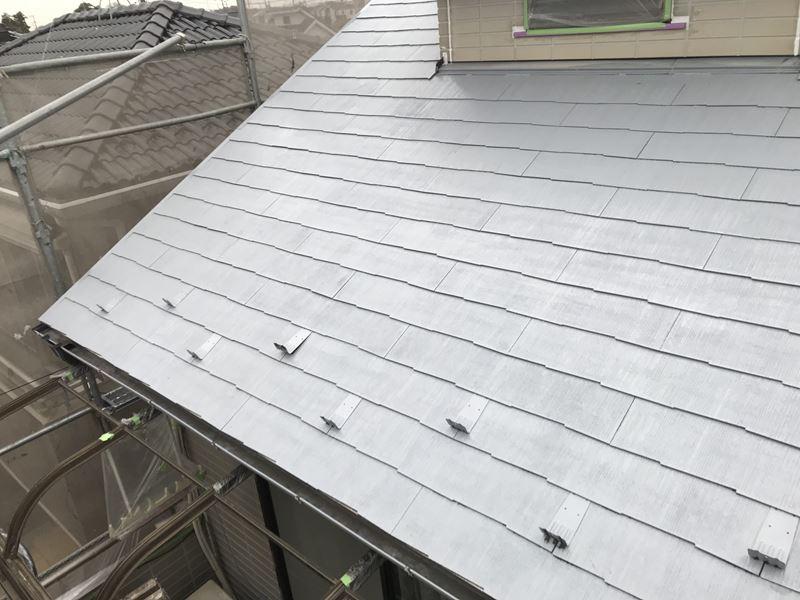岩槻区スレート屋根南側下塗り