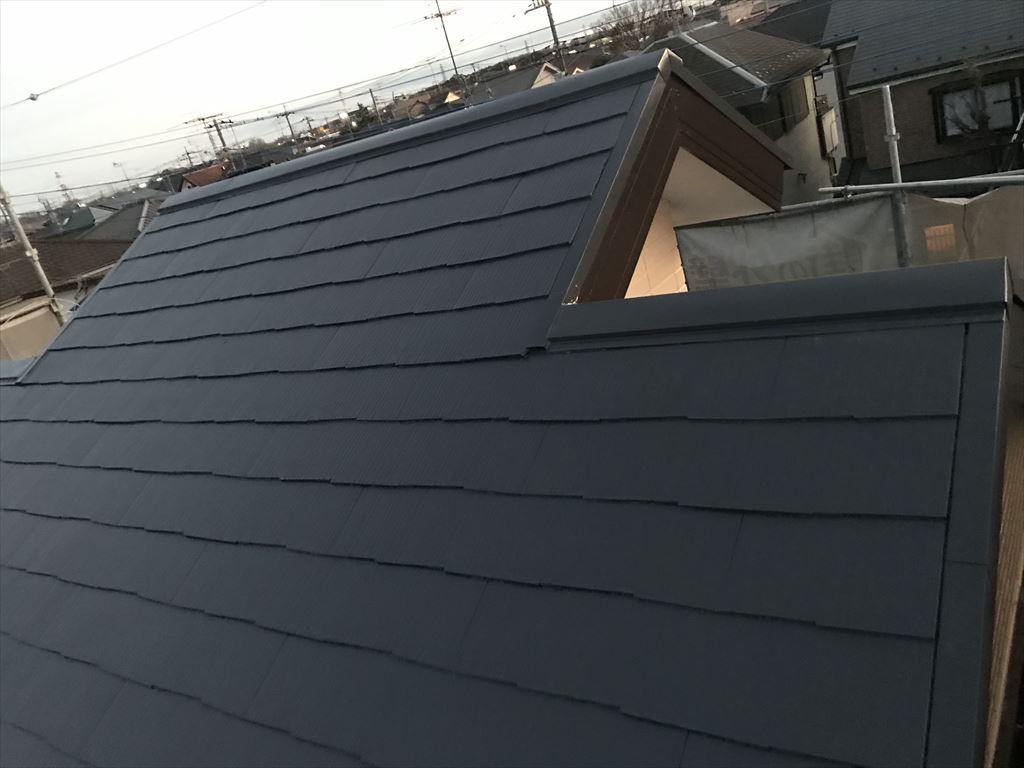 さいたま市岩槻区で「スーパシャネツサーモSi」を大屋根に中塗り塗布完了