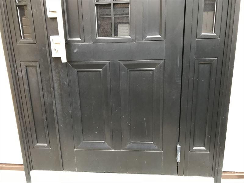 玄関ドア補修前